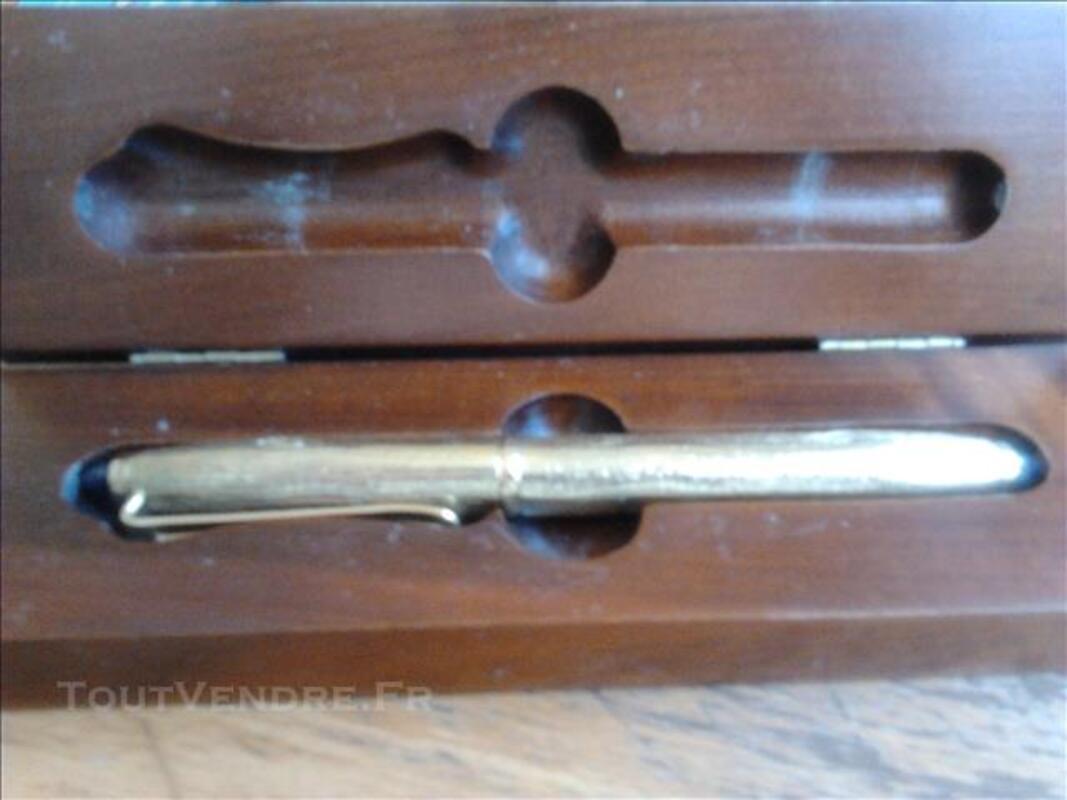 Stylo plume Hugo(plaqué or pointe pur or 2 saphirs aux éxtré 81393362