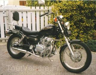 Superbe moto honda 125 rebel moins de 10 000 kl chromes