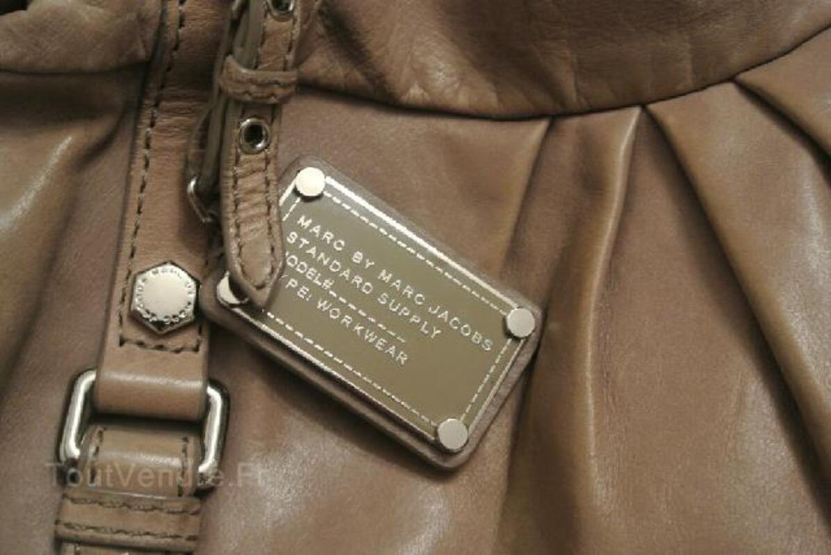 Superbe sac en cuir Marc by Marc Jacobs 105419118