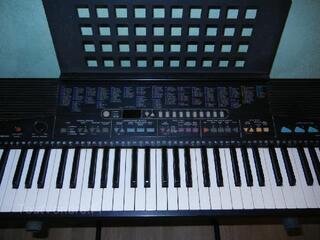 Synthétiseur YAHAMA PSR 310