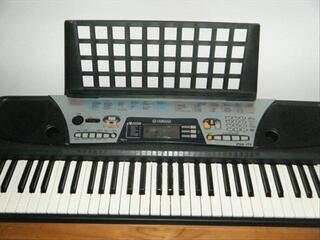 Synthétiseur Yamaha PSR 175