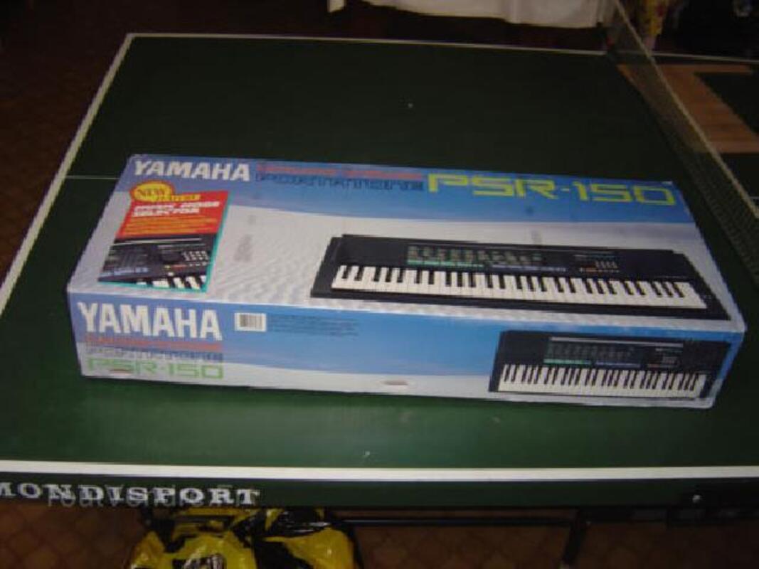 Synthétiseur YAMAHA + son trépied réglable en hauteur 92186904