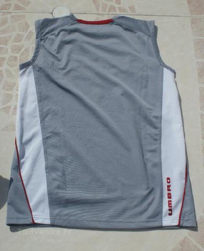 T-shirt/Débardeur gris UMBRO garçon T.14 ANS 105419247