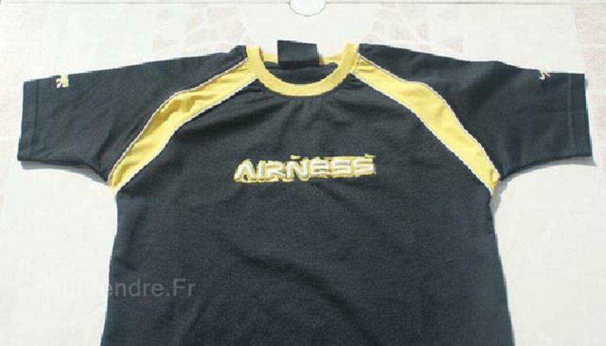 T-shirt noir AIRNESS garçon T. 14 ANS 105419261