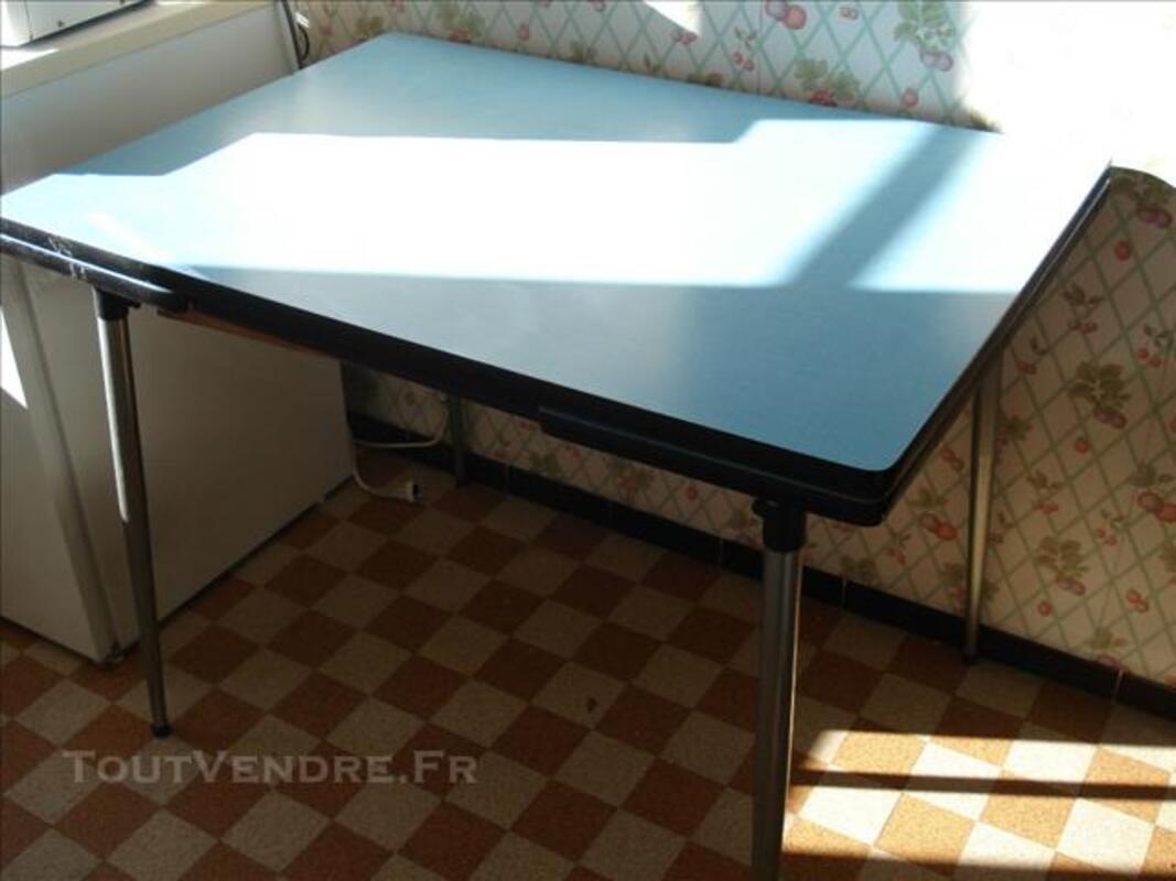 Table + 4 chaises en formica années 60 78234090