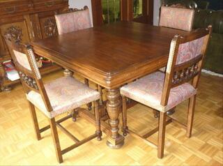 Table + 8 chaises Henri II