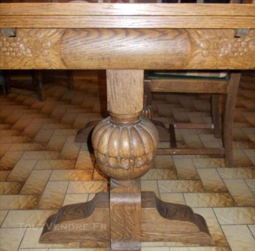 Table ancienne avec 4 chaises 84761671