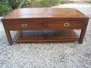 Table basse fabrication main