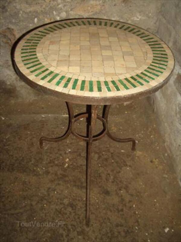 Table bistrot en zellige et fer forgé 56364658