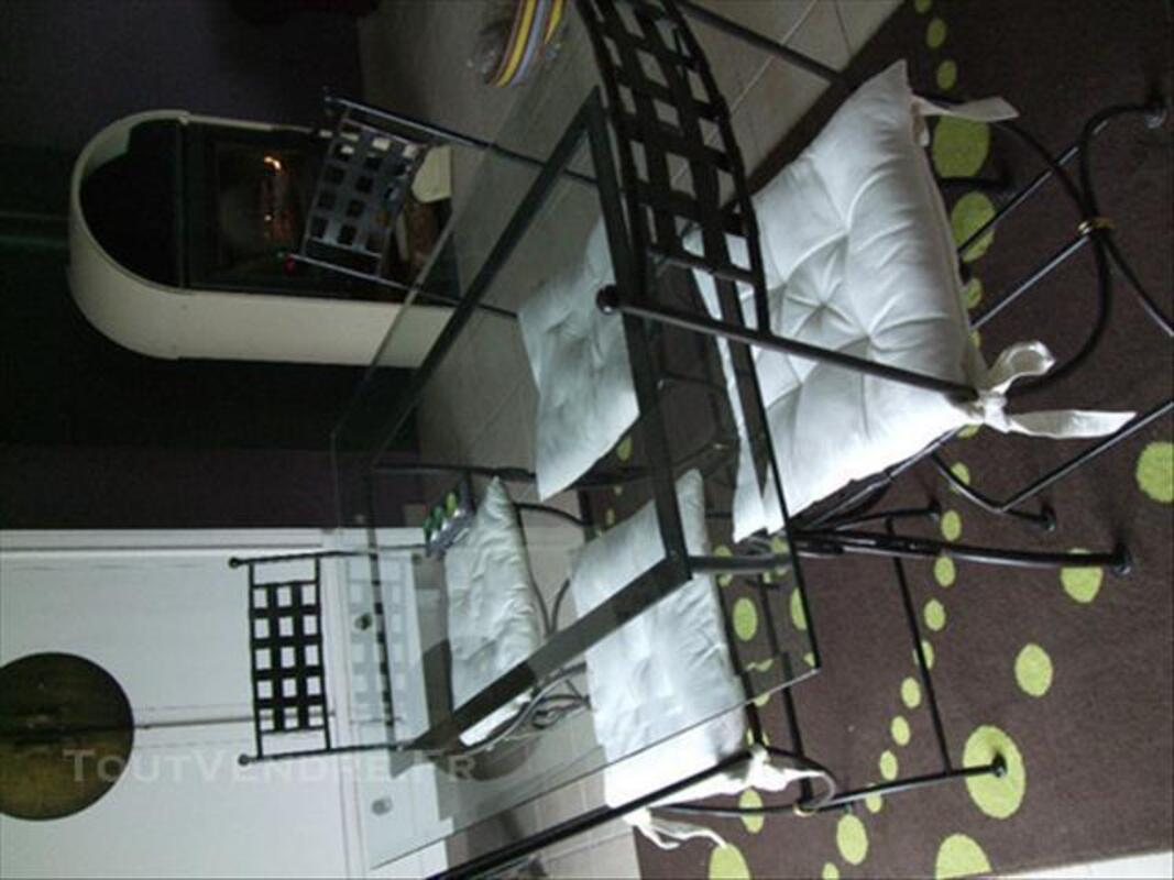 Table + chaises en fer forgé 84074368