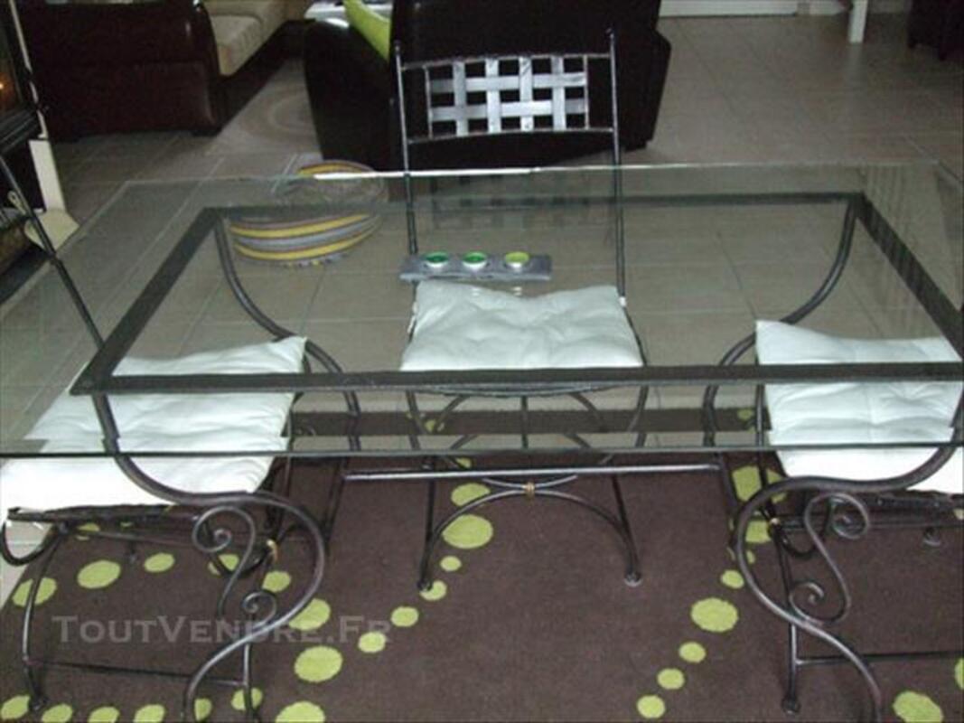 Table + chaises en fer forgé 84074369