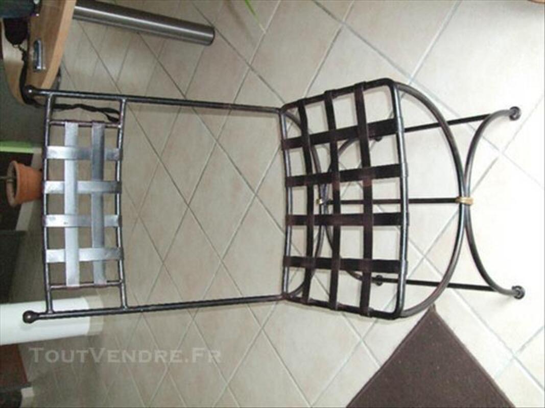 Table + chaises en fer forgé 84074370