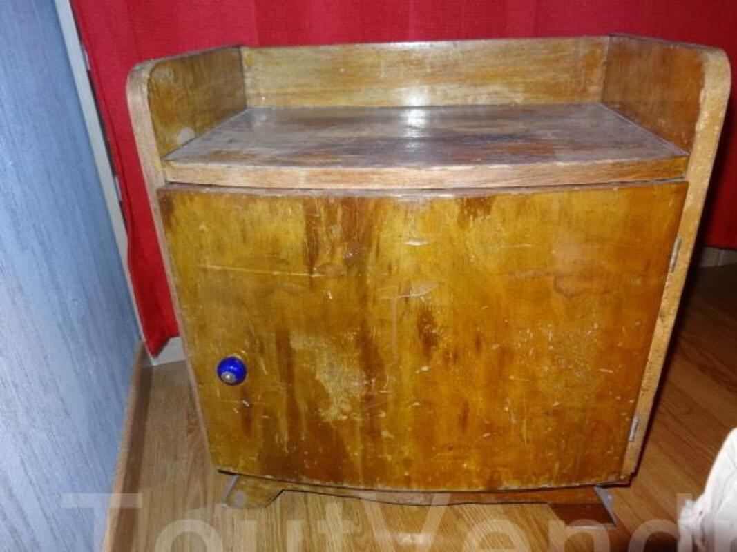 Table de chevet style Art Déco 105422121