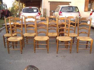 Table de ferme et 8 chaises