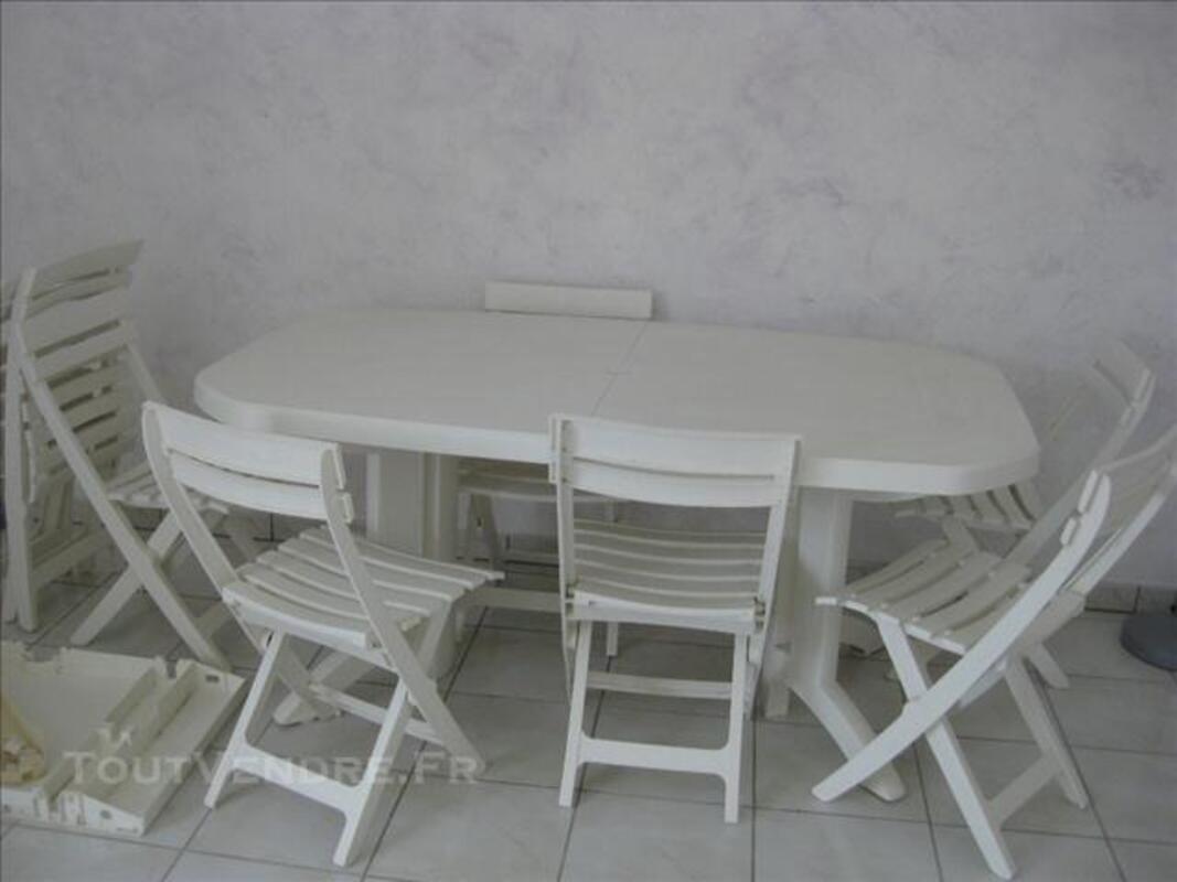 Table de jardin + 8 chaises 76209868