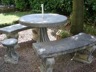 TABLE de JARDIN en PIERRE