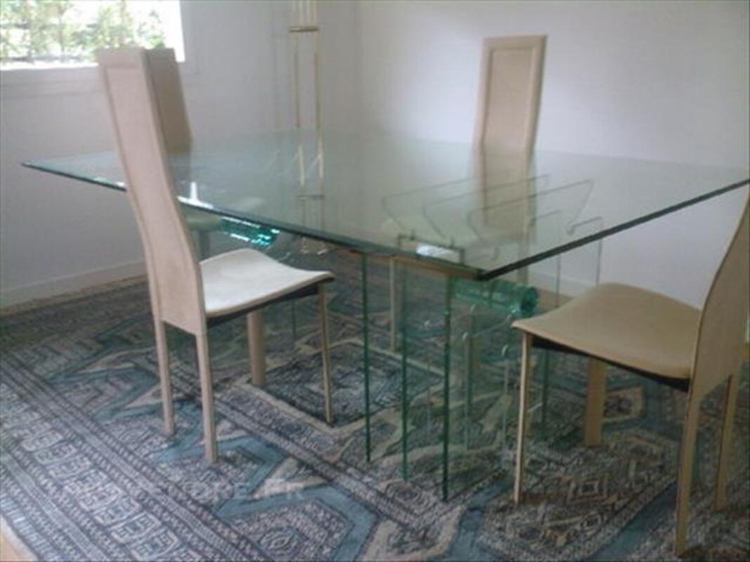 Table de repas + 4 chaises 85484834