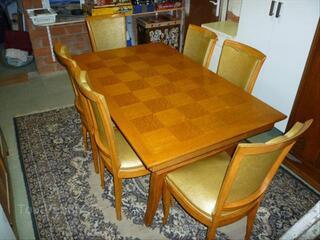 Table de salle à manger en chêne massif + 6 chaises