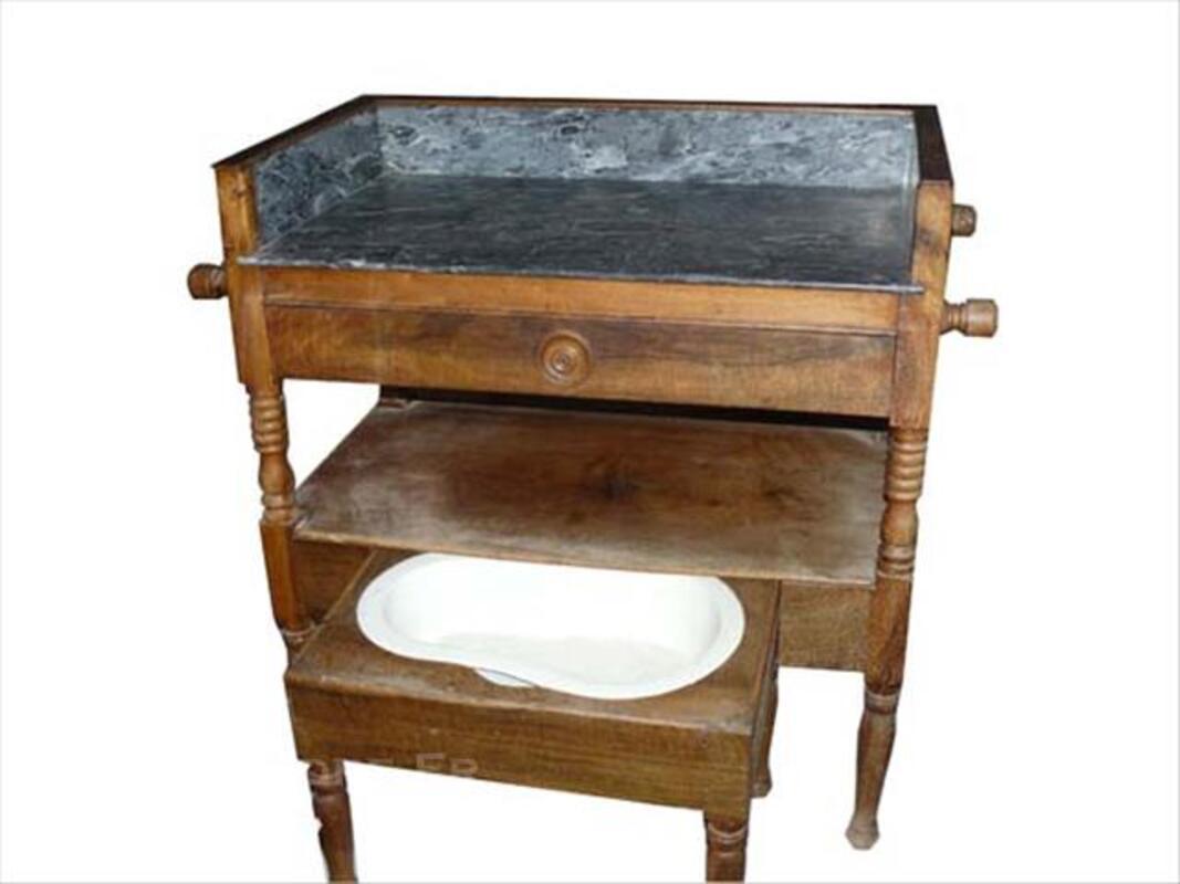 Table de toilette ancienne avec bidet 76994011