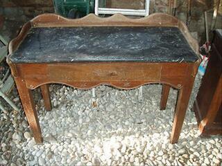 TABLE DE TOILETTE PLATEAU MARBRE MODELE RARE
