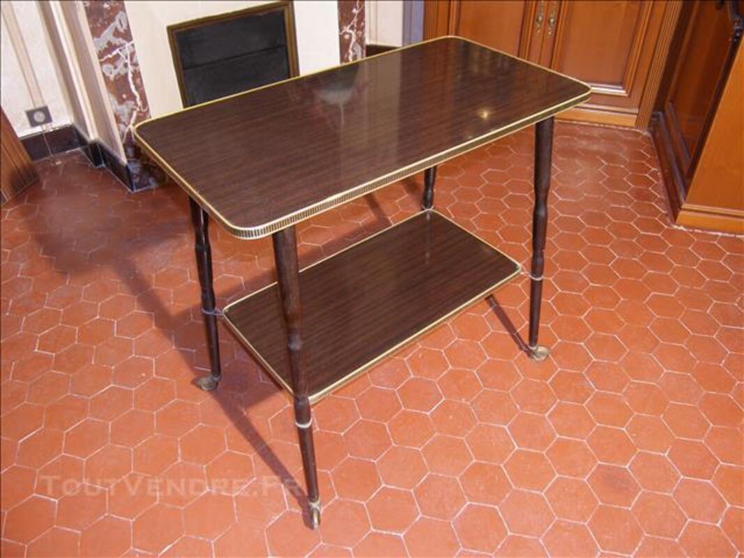 Table desserte / télévision années 60, vintage. 85095282
