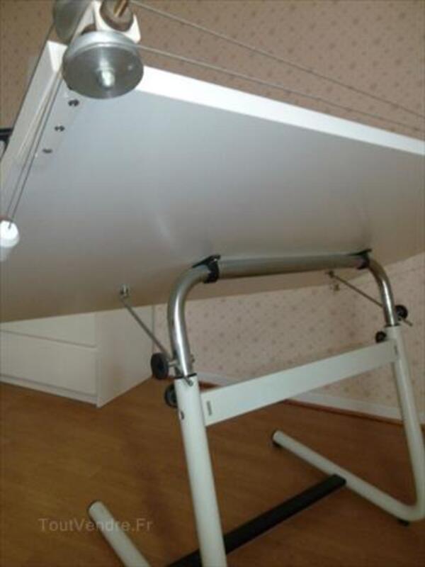 Table dessin industriel 64561324
