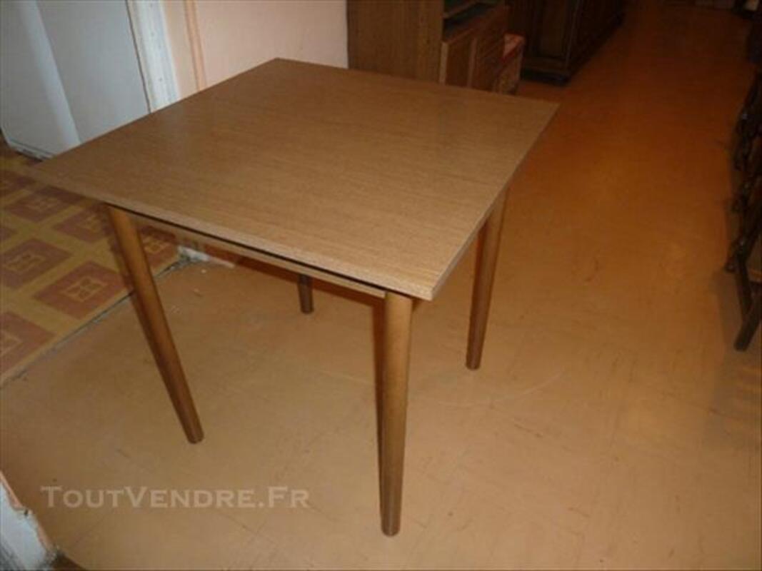 Table en bois de cuisine avec son banc 84648600