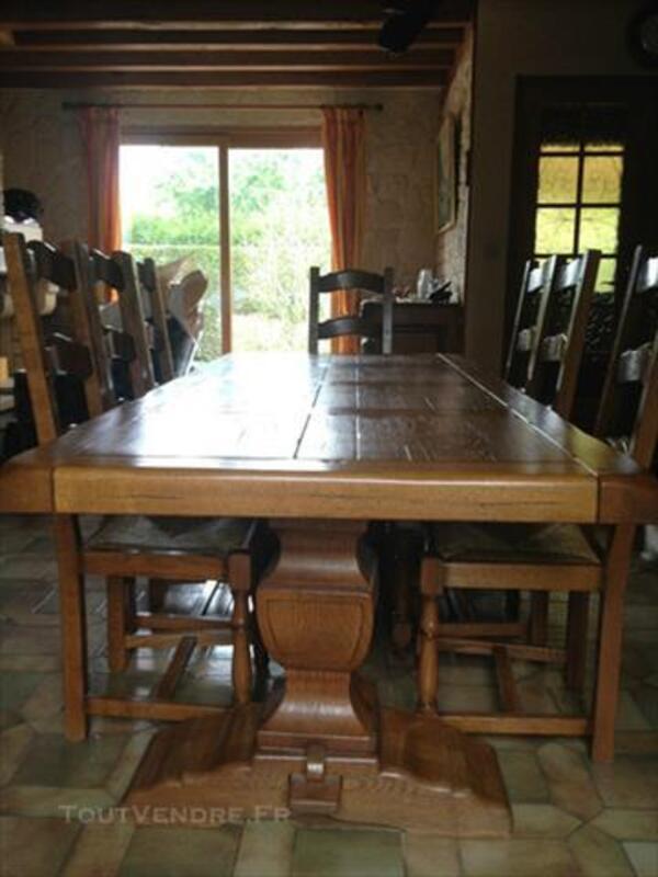 Table en chêne et 8 chaises monastère 84040562