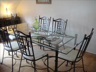 Table en fer forgé et 6 chaises
