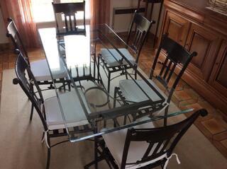 Table fer forgé + meubles merisier