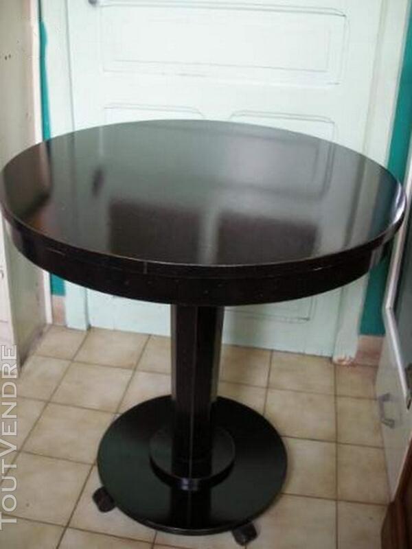 Table guéridon Style art déco en bois laqué noir 119933604