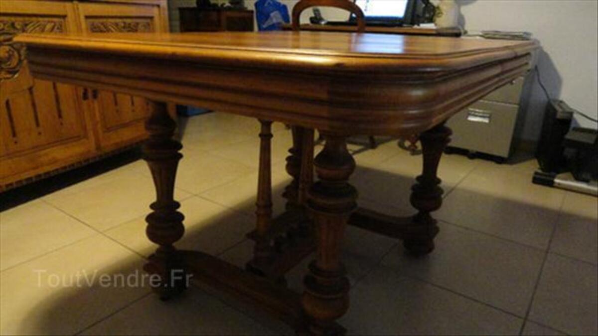 Table Henri II en noyer 56498525