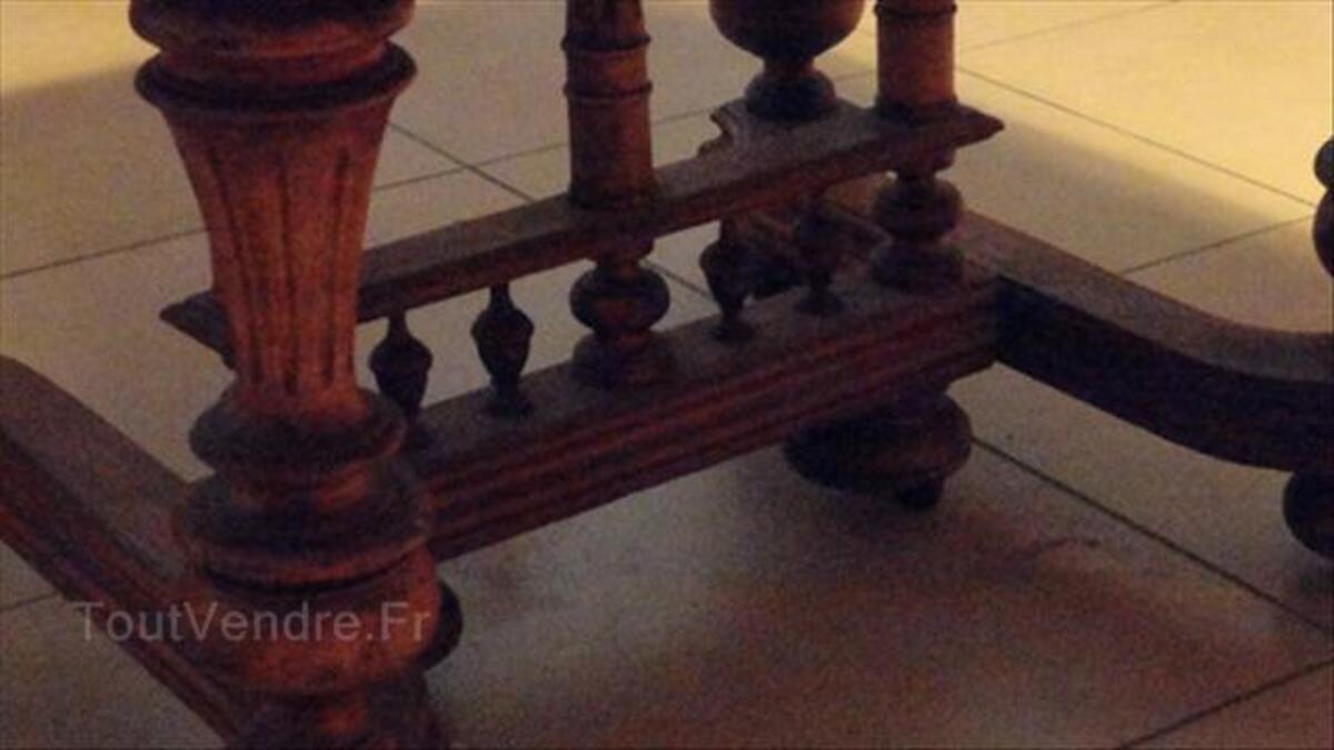 Table Henri II en noyer 56498526