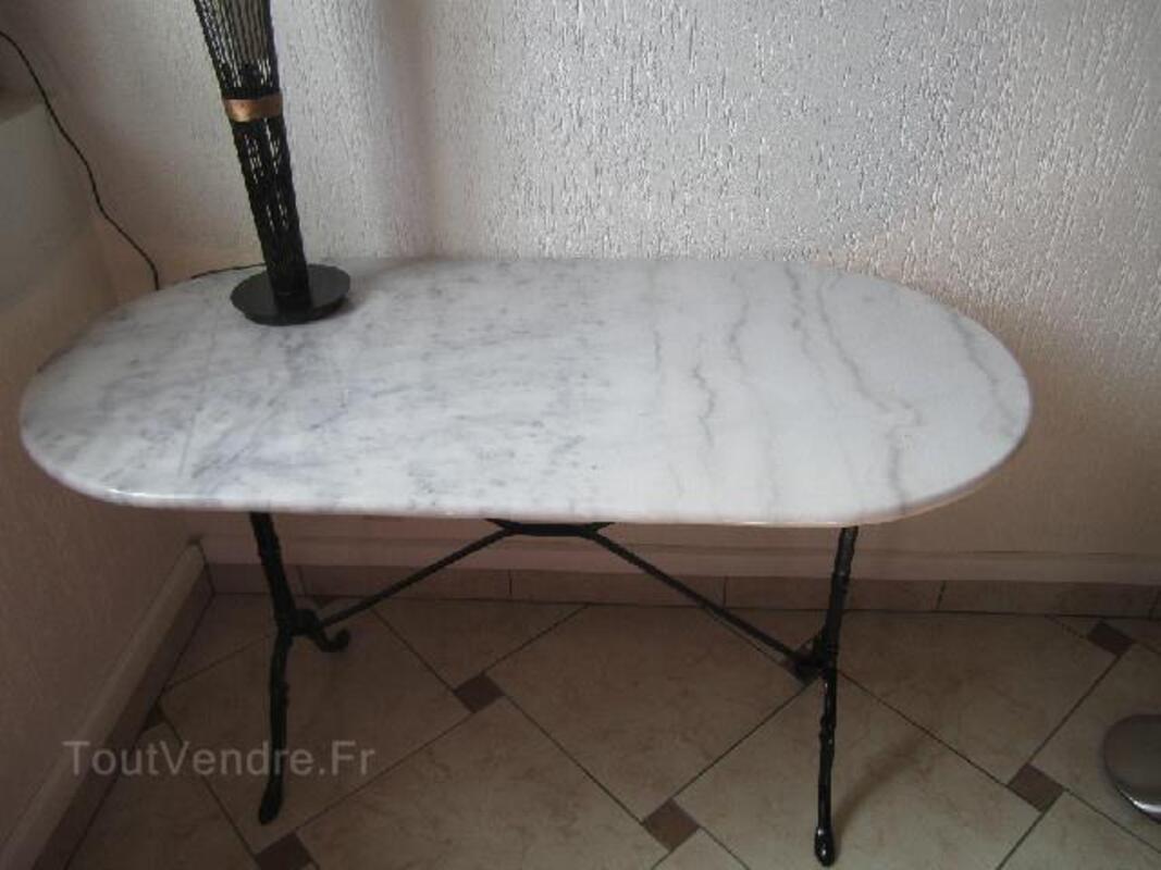 Table ovale en marbre bistrot 96269652