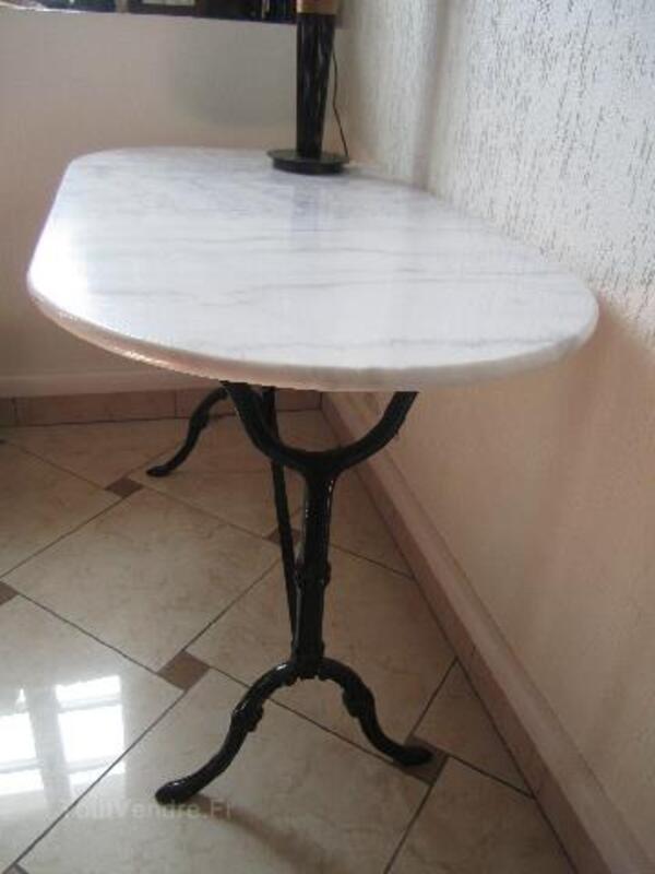 Table ovale en marbre bistrot 96269653