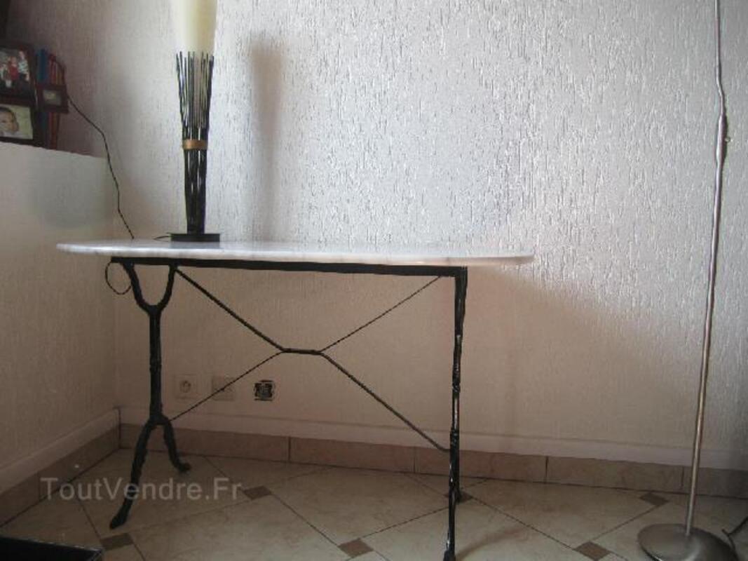 Table ovale en marbre bistrot 96269654