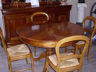 Table ronde (avec 2 rallonges) + 4 chaises