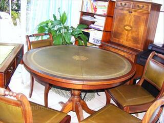 Table ronde et 4 chaises style Anglais bois massif