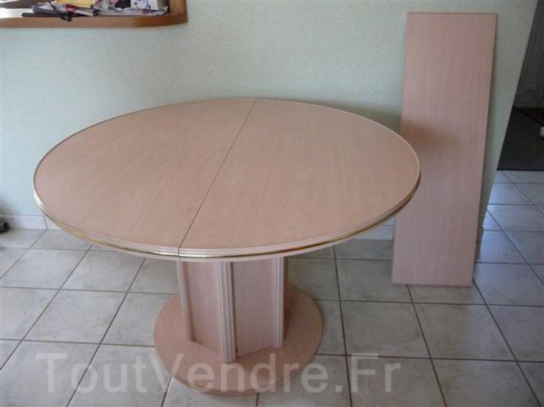 Table salle à manger ronde cérusé rose 92713761
