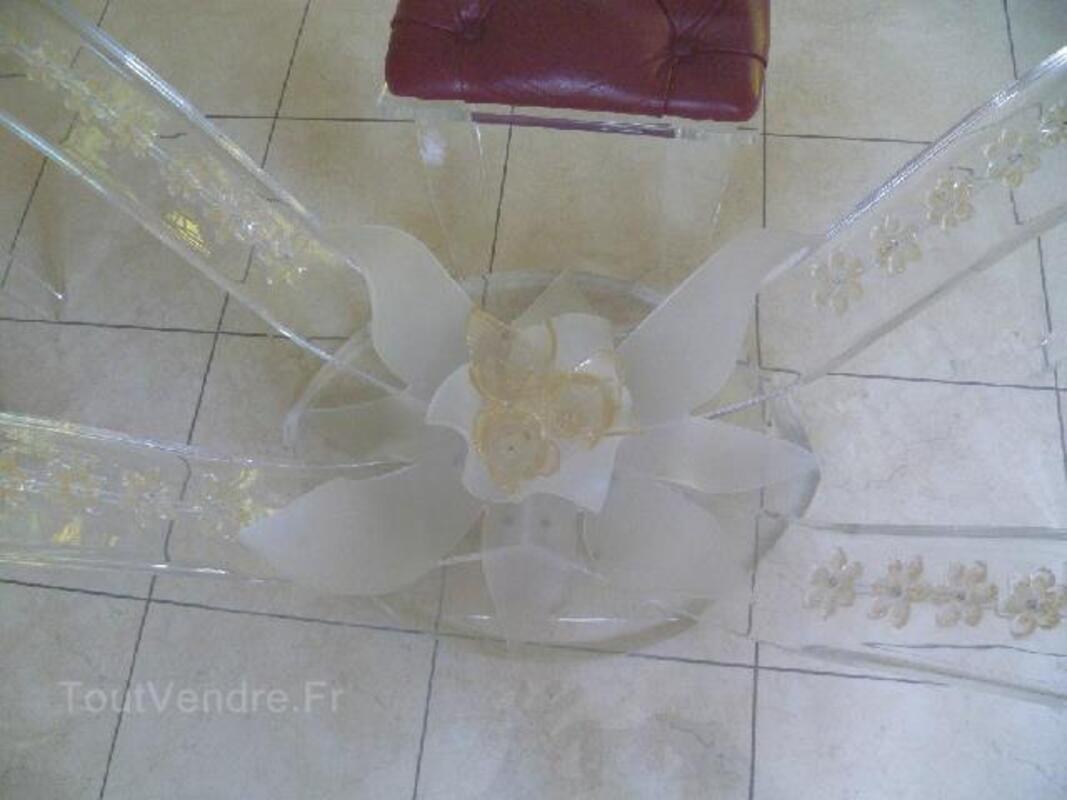 Table verre et chaises plexiglas 90789942