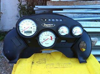 Tableau de bord moto Triumph tiger 955 (2000 à 2005)