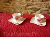 TASSES A CAFE PLUS SOUS TASSES EN PORCELAINE
