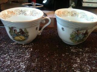Tasses à thé en porcelaine