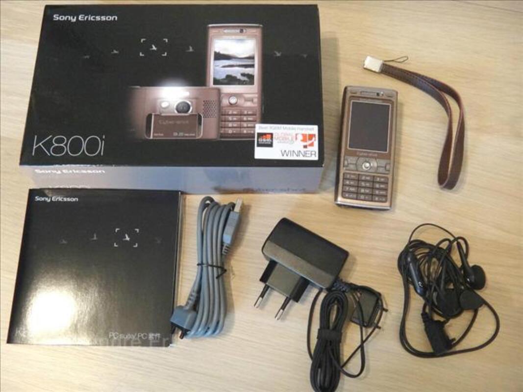 Telephone portable Sony ericsson K800i - photo 71869959