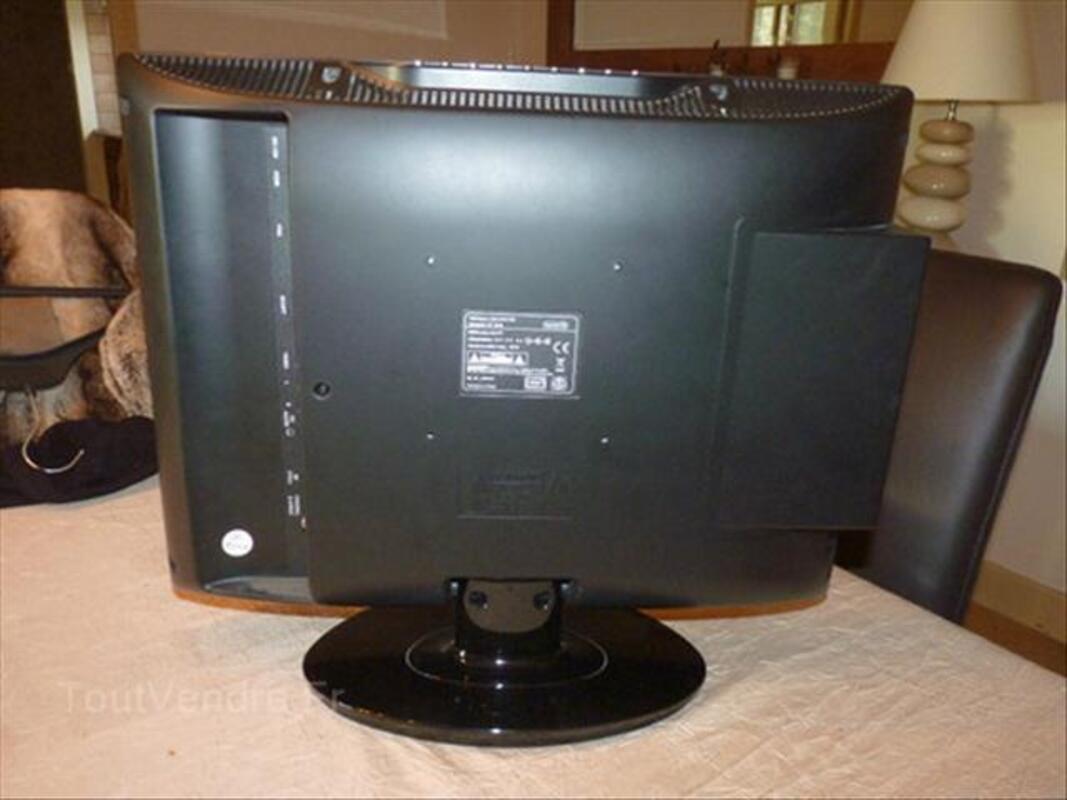 Téléviseur LCD 55921312