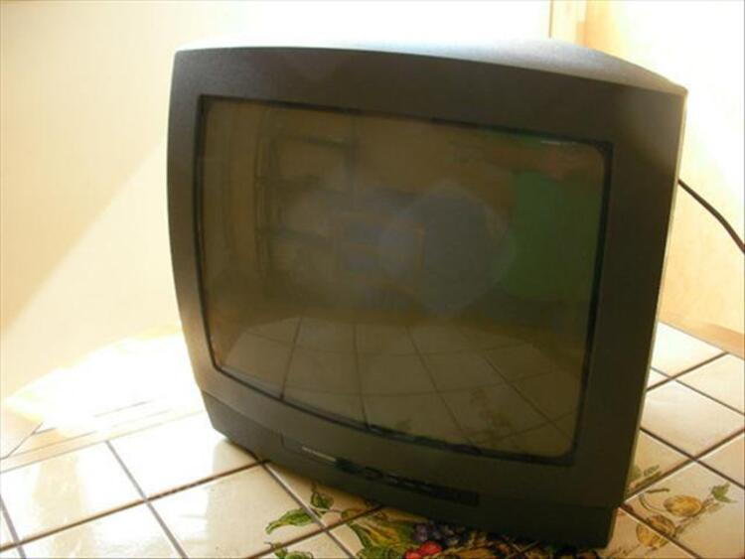Téléviseur SCHNEIDER 36 cm Couleur 64482560