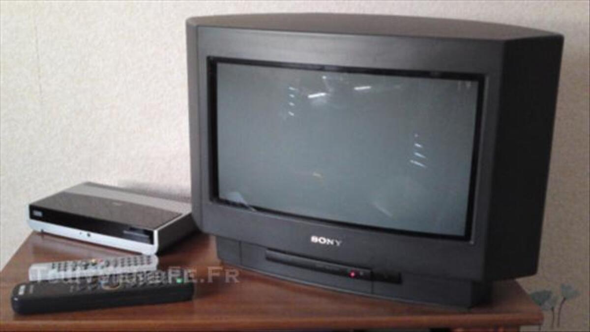 Téléviseur Sony 16/9 36 cm + Décodeur TNT Listo 44684748