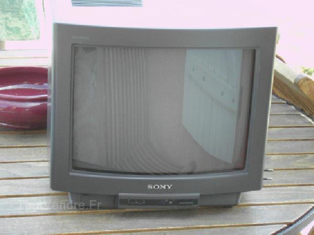 TELEVISEUR SONY 36 cm avec tele-commande 96252307