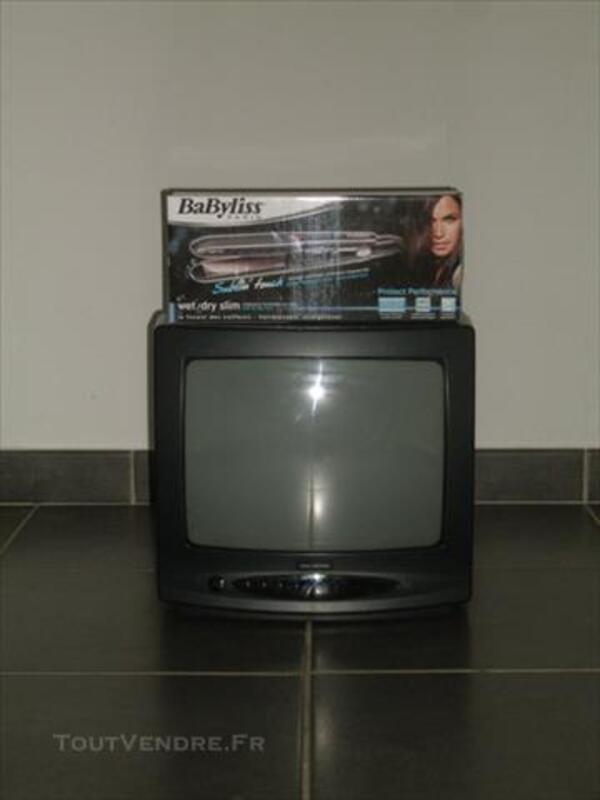 Téléviseurs noirs petit et grand format 85965522