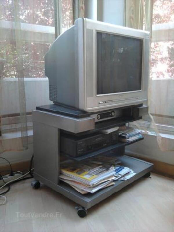 Télévision 104940875